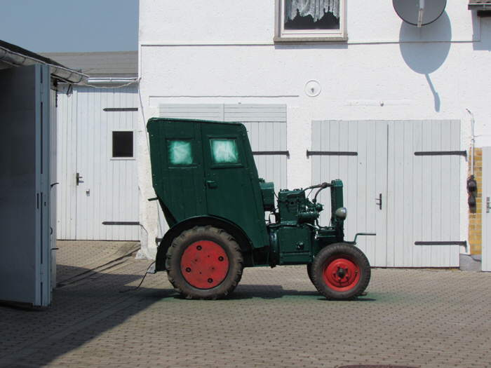 Alter Traktor in Frankenheim