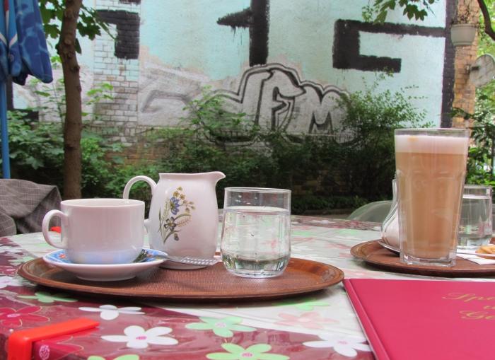 geheimtipp leipzig kaffee schwarz im sommer 2012. Black Bedroom Furniture Sets. Home Design Ideas
