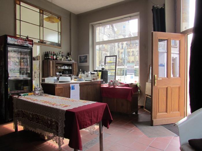 geheimtipp leipzig kaffee schwarz im fr hjahr 2013. Black Bedroom Furniture Sets. Home Design Ideas