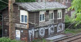 Stellwerke und Wohnhäuser