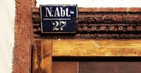 Alte Schilder in Neustadt