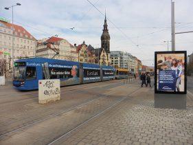 Altes Theater 2019: Straßenbahnhaltestelle am Brühl